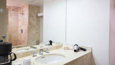 Bathroom Krystal Ixtapa Hotel Ixtapa-Zihuatanejo